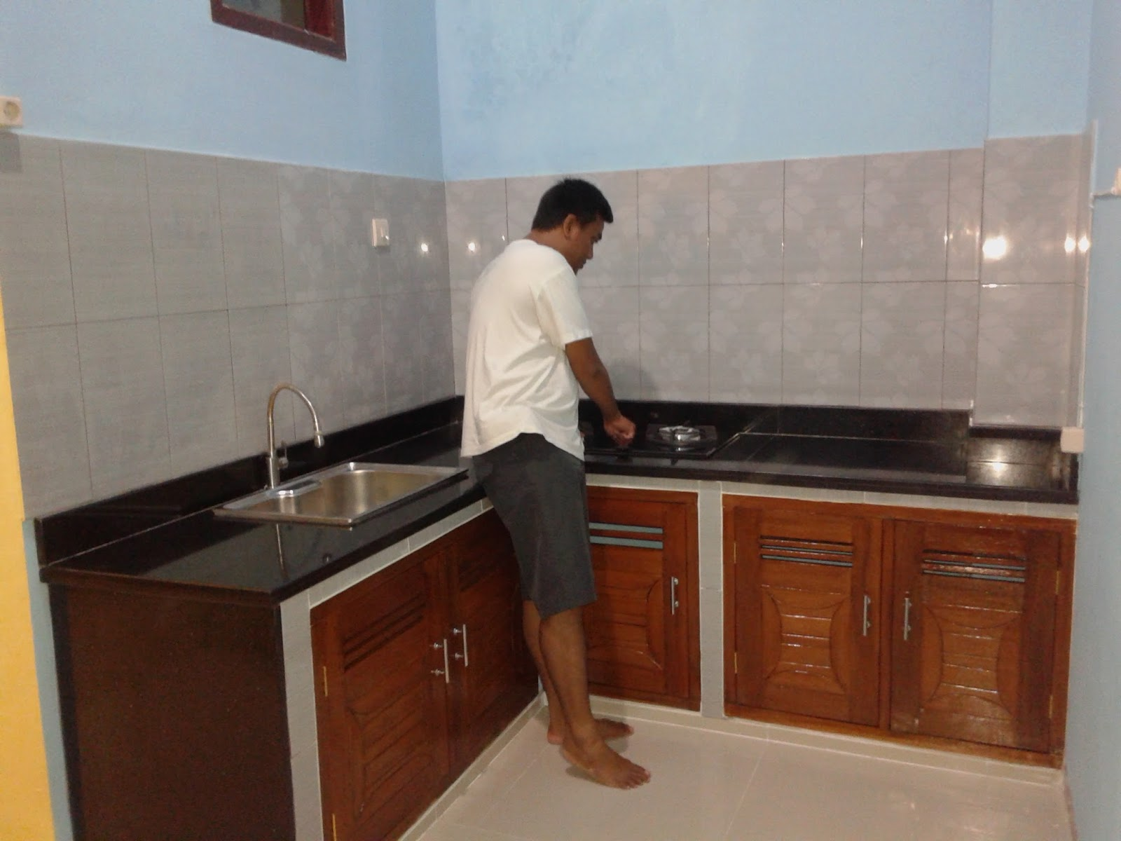 Desain Dapur Keramik Hitam Interior Rumah