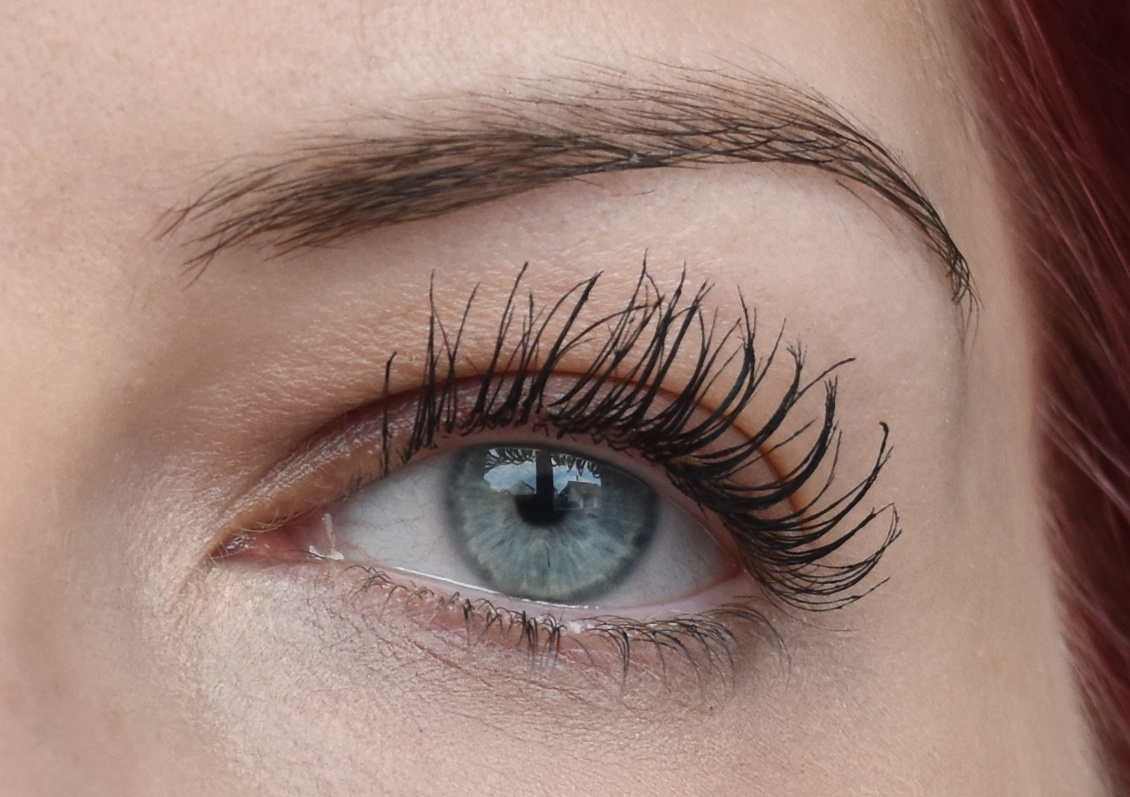 Manhattan Volume Shake Mascara - Tragebild