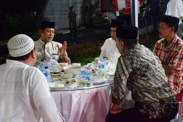 Begini Suasana Tausiah dan Buka Bersama di Rujab Bupati Soppeng