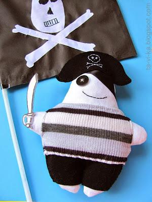 скачать выкройку пирата
