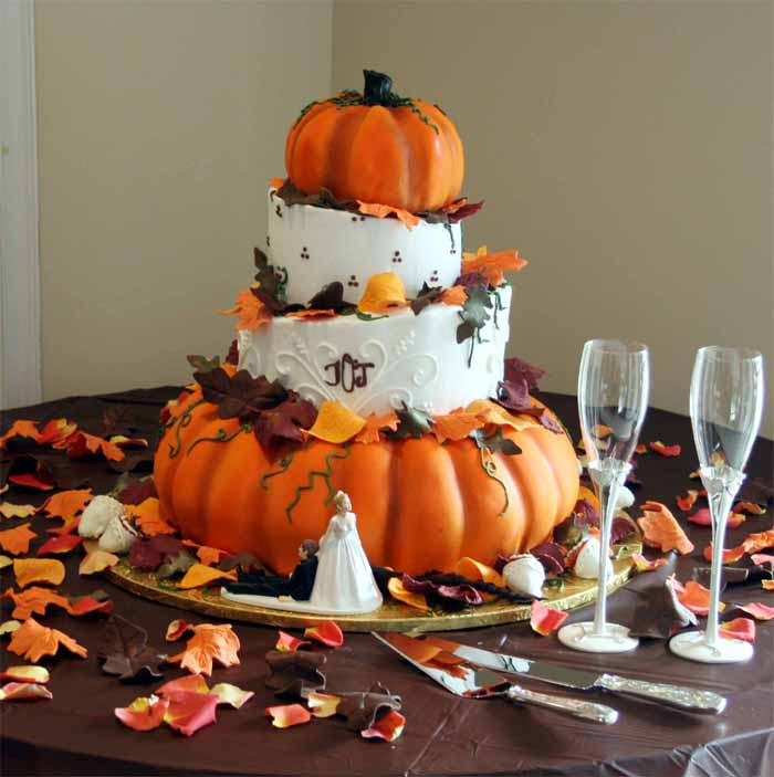 Wedding Ideas For October: A'vents By August: Marry Me Monday: Pumpkins Aren't Just