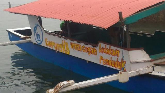 Perahu Ojek Padang-Manarai, Ikut Sosialisasikan Program KB