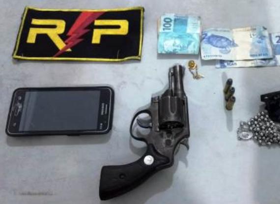 Homem é preso  em Delmiro Gouveia por porte ilegal de arma de fogo