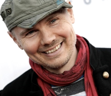Foto de Billy Corgan con gorro