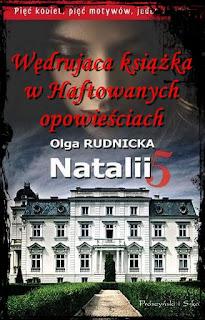 Wędrująca książka w Haftowanych Opowieściach