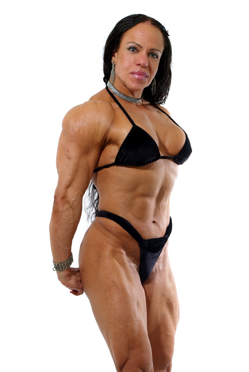 Ana Claudia Pires Is A Brazilian Female Bodybuilder - The