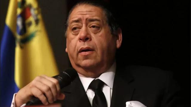 Proyecto de nueva Constitución estaría listo en febrero, según Hermann Escarrá