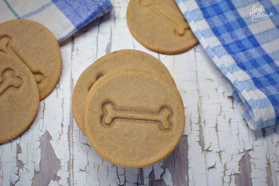 Hundekekse backen Rezept  Rind-Kartoffel Kekse mit Babygläschen als Zutat für Hunde