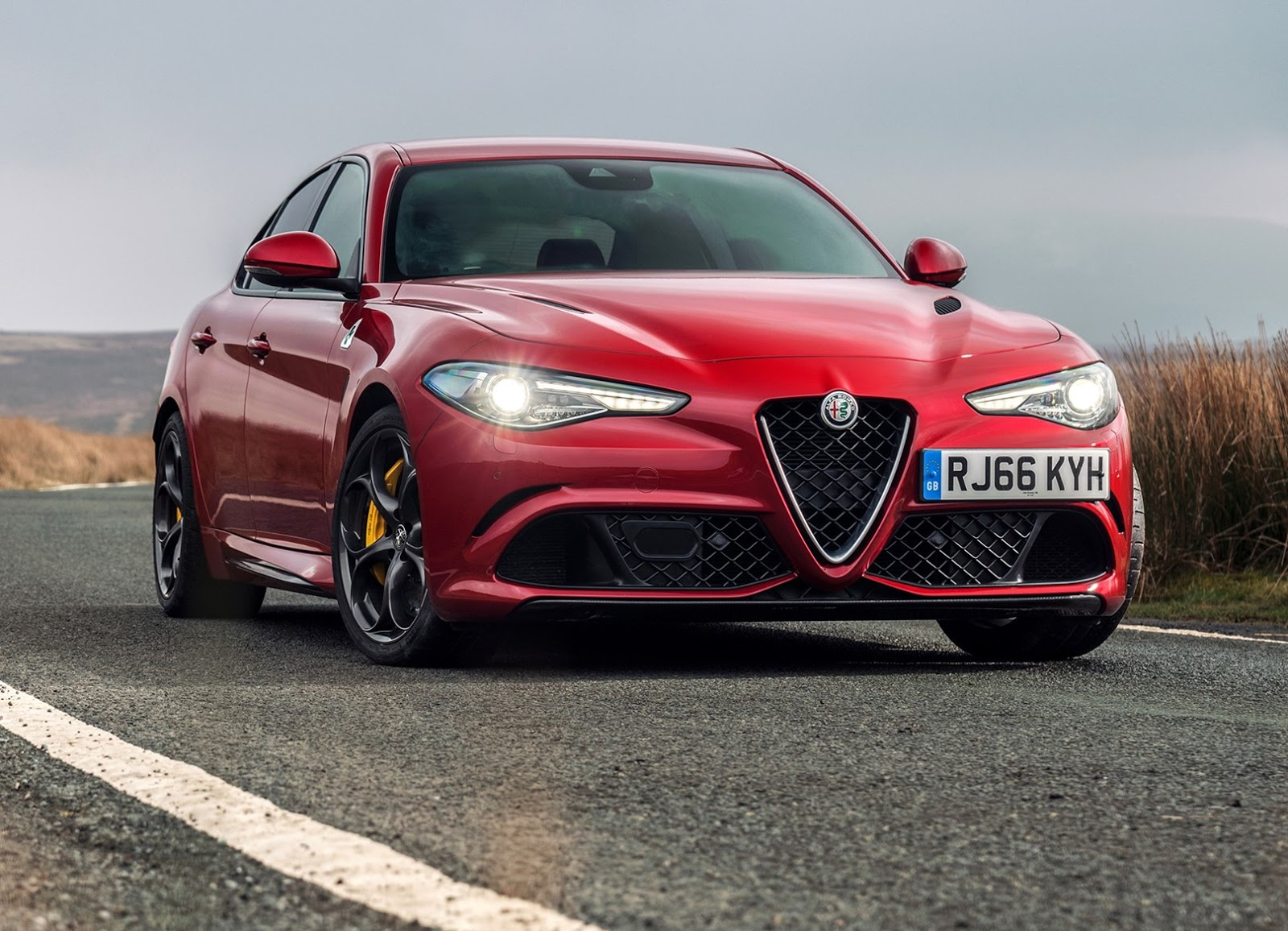 alfa romeo giulia coupe to pack 641bhp with f1 hybrid tech. Black Bedroom Furniture Sets. Home Design Ideas