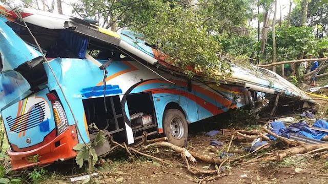 Innalillahi, Bus Jurusan Jakarta-Yogyakarta Masuk Jurang, 4 Meninggal Dunia
