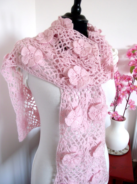 LiliaCraftParty: Floral Whisper Crochet Scarf open or Infinity Style