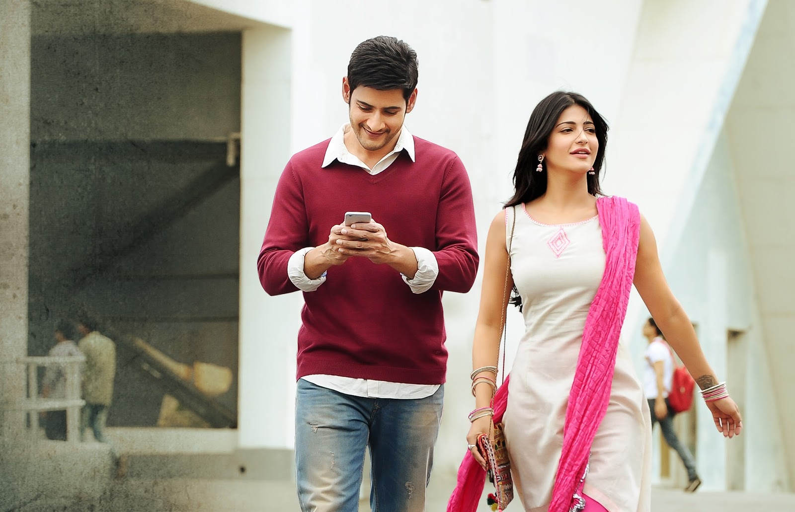 Mahesh Babu & Shruti Haasan starrer Srimanthudu dubbed to Hindi as The Real  Tevar. World TV Premiere on 26th Feb on ZEE Cinema. Its Box Office Forums -  Movie Discussions - Box