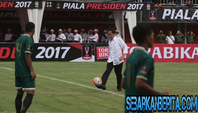 jokowi-buka-turnamen-piala-presiden-2017