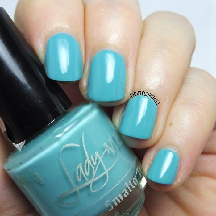 Smalto mini azzurro Lady Venezia Travel 04 mini blue nail polish #nails #unghie #ladyvenezia #lightyournails