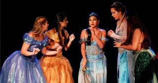 Pátio Alcântara promove peça infantil 'Princesas e Vingadores'