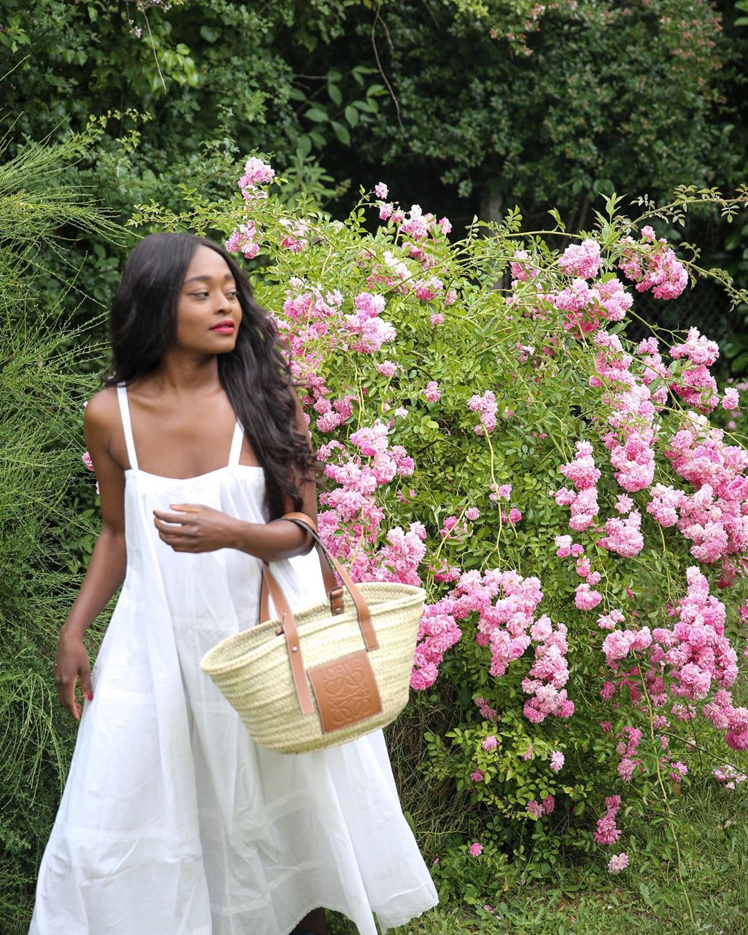 25 of the Most Stylish White Dresses Under $100 — @linaose Instagram outfit idea