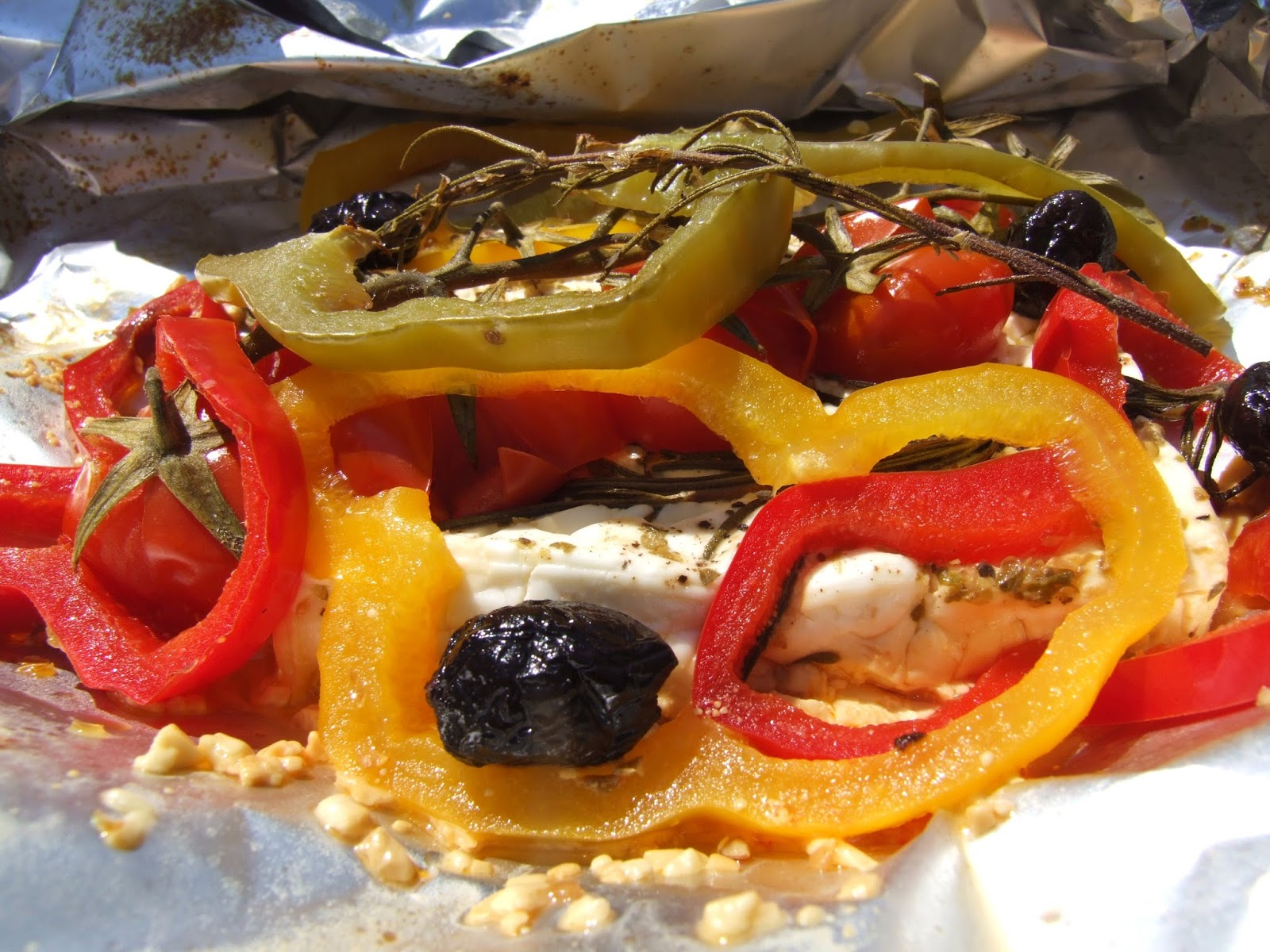 cooking julia papillote de salade grecque au barbecue. Black Bedroom Furniture Sets. Home Design Ideas