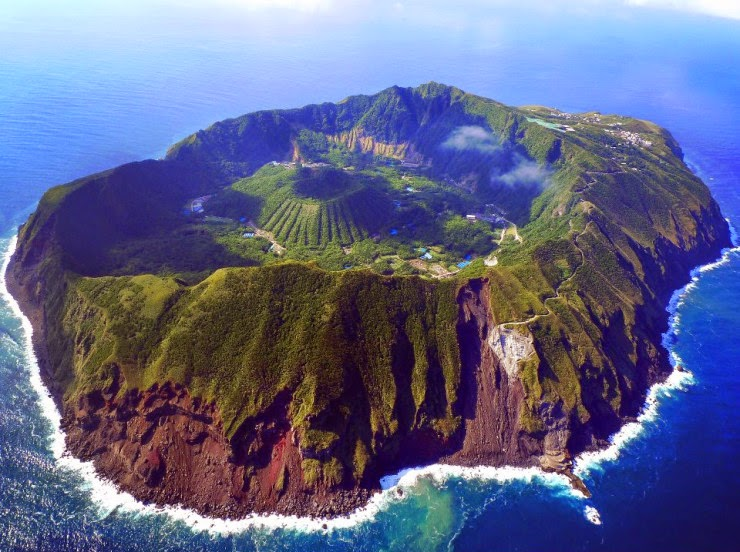 1. Aogashima, Japan - Top 10 Houses in the Middle of Nowhere