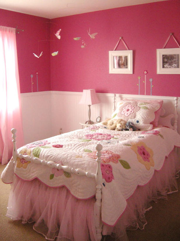 There's something about the emptiness or untidiness of an undecorated room that instantly strikes anxiety into the heart of a type a personality. 25 Hot Romantic Pink Room Designs - Dwell Of Decor