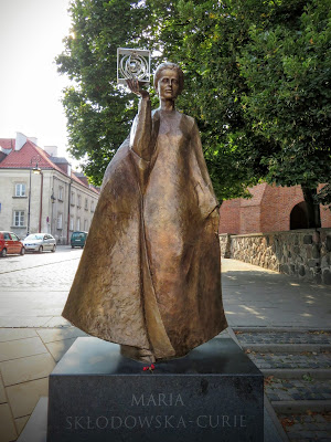 2-Days in Warsaw: Marie Curie Statue in Warsaw, Poland