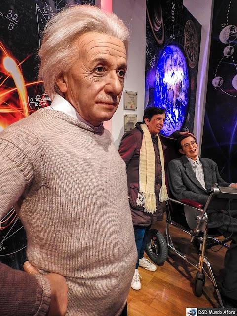Albert Einstein e Stephen Hawking - Madame Tussauds: Como visitar o museu de cera de Londres