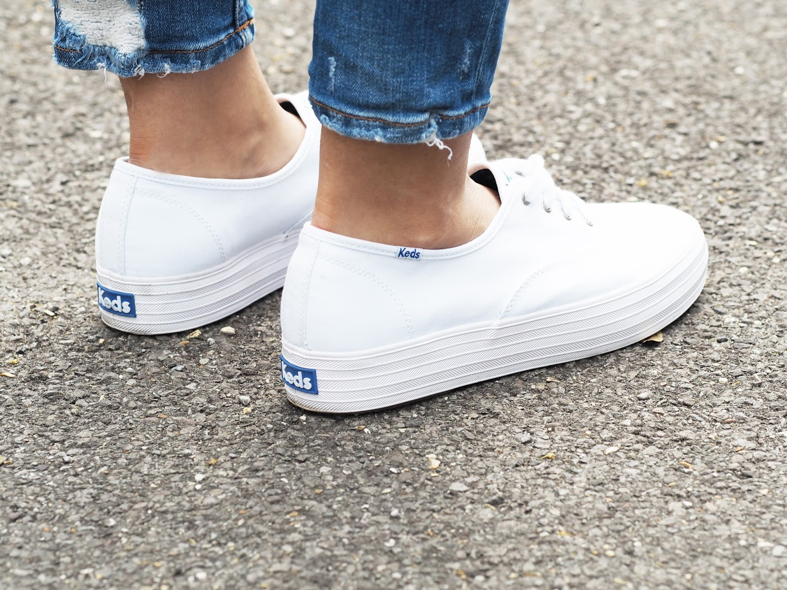 White Ked Style Shoes