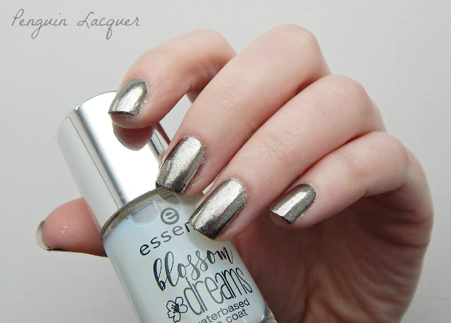 essence mirror mirror on my nails mit Flasche