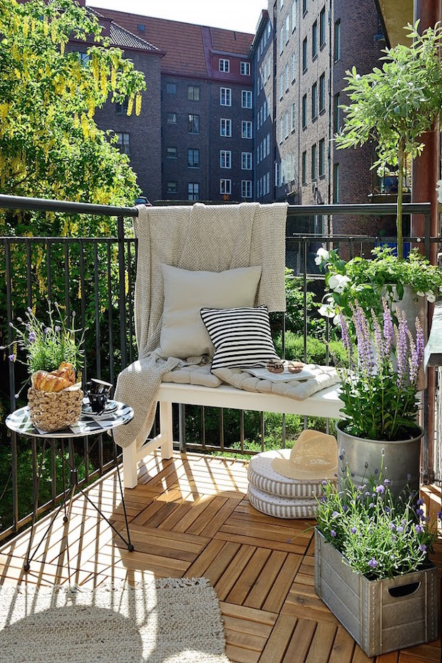 10 balcony decor ideas for the urban dweller do it. Black Bedroom Furniture Sets. Home Design Ideas