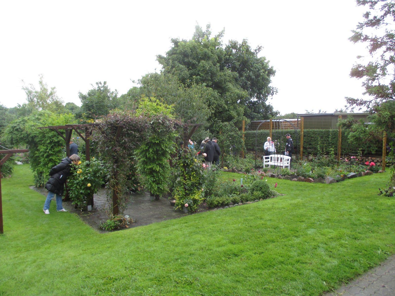 Blomsterhatten: Åben have i rosekreds trekanten