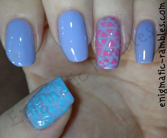 stripping-tape-geometric-nail-nails-art-barry-m-prickly-pear-models-own-pink-blush-maybelline-cool-blue