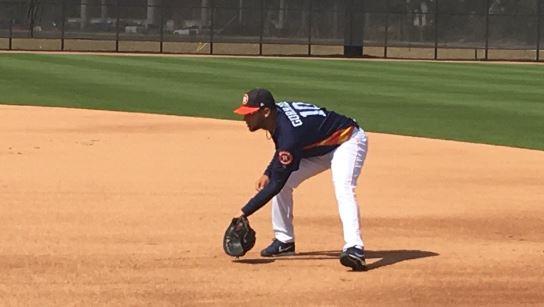 La temporada pasada Gurriel estuvo durante 36 innings en cinco juegos jugando la primera base.