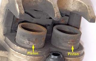Piston : Debu Melekat