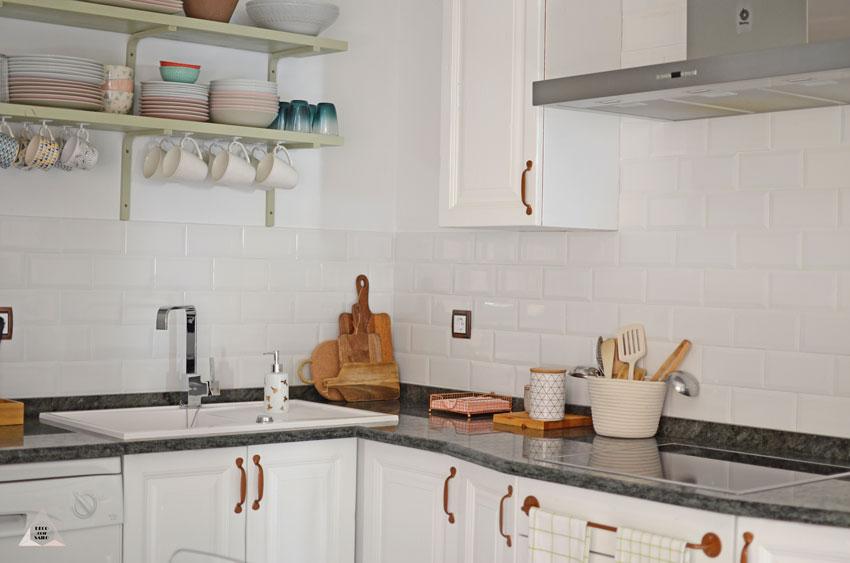 reforma cocina muebles blancos