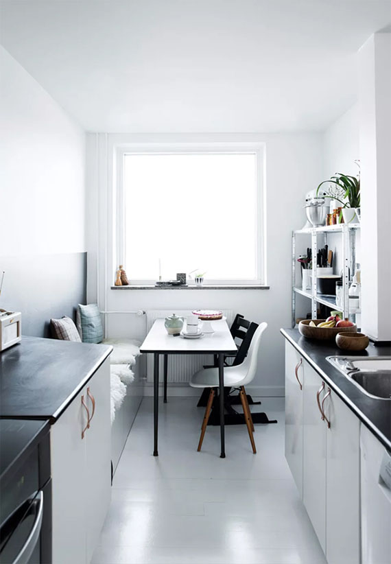 Small scandinavian kitchen | Tia Borgsmidt via Bolig