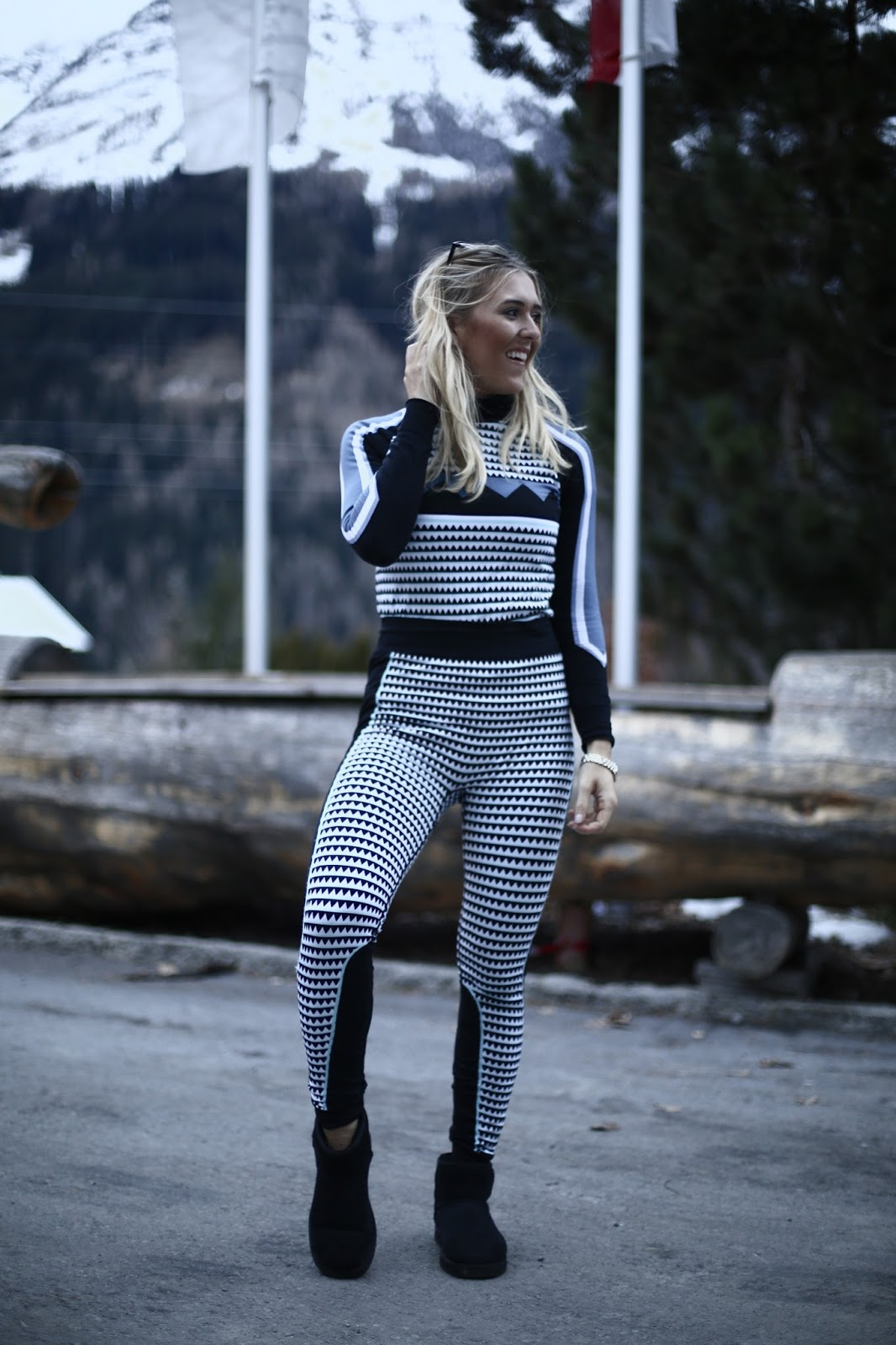 trendy fashionable ski kit