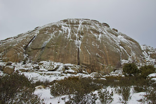 Cara Sur del Yelmo Nevada Invierno