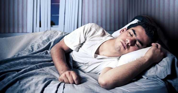 Uyurken kilo vermek için gün içinde en az 8 saat uyumanız gereklidir, aksi takdirde kilo veremezsiniz.