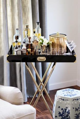 Mesa original para bebidas y copas