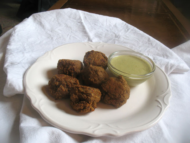 Quinoa Balls with Peanut Dipping Sauce
