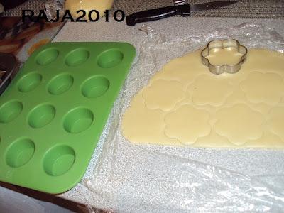حلويات عيد الفطر جزائرية  بلاطو لاشكال عديدة بعجينة واحدة بالصور 11.jpg