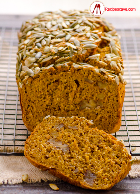 eat pumpkin seeds with bread