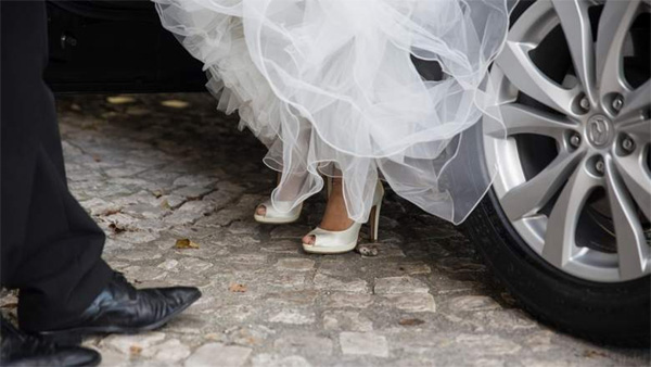 Newlywed bride demands divorce 3 minutes after signing marriage contract, Kuwait, News, Humor, Court, Marriage, Religion, Application, Gulf, World
