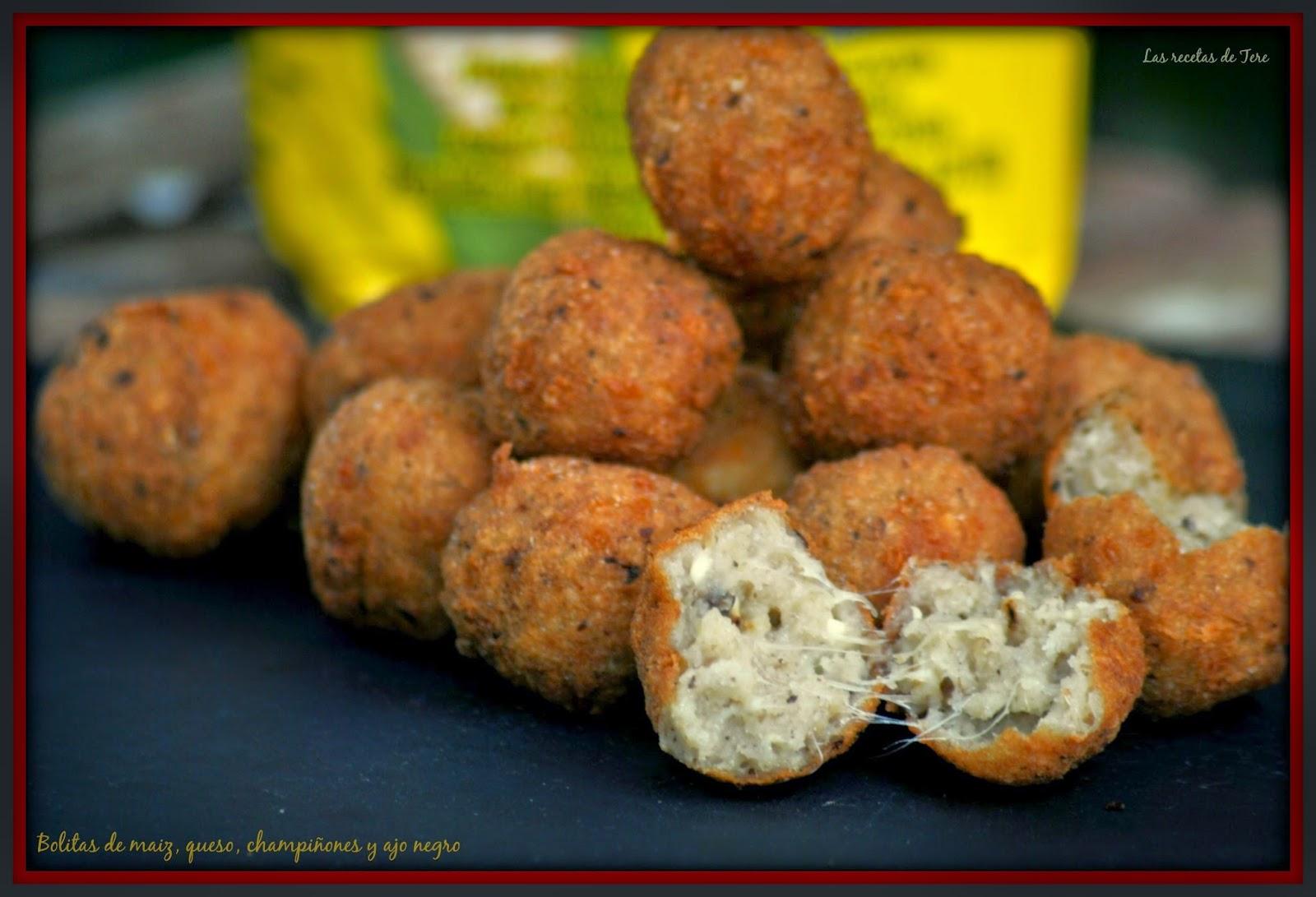 Bolitas de maiz queso champiñones y ajo negro 05