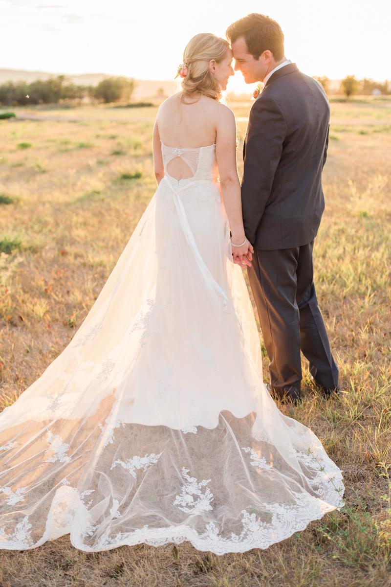 Kalispell Montana Wedding / Photography: Mackenzie Keough / Florist: Mums Flowers