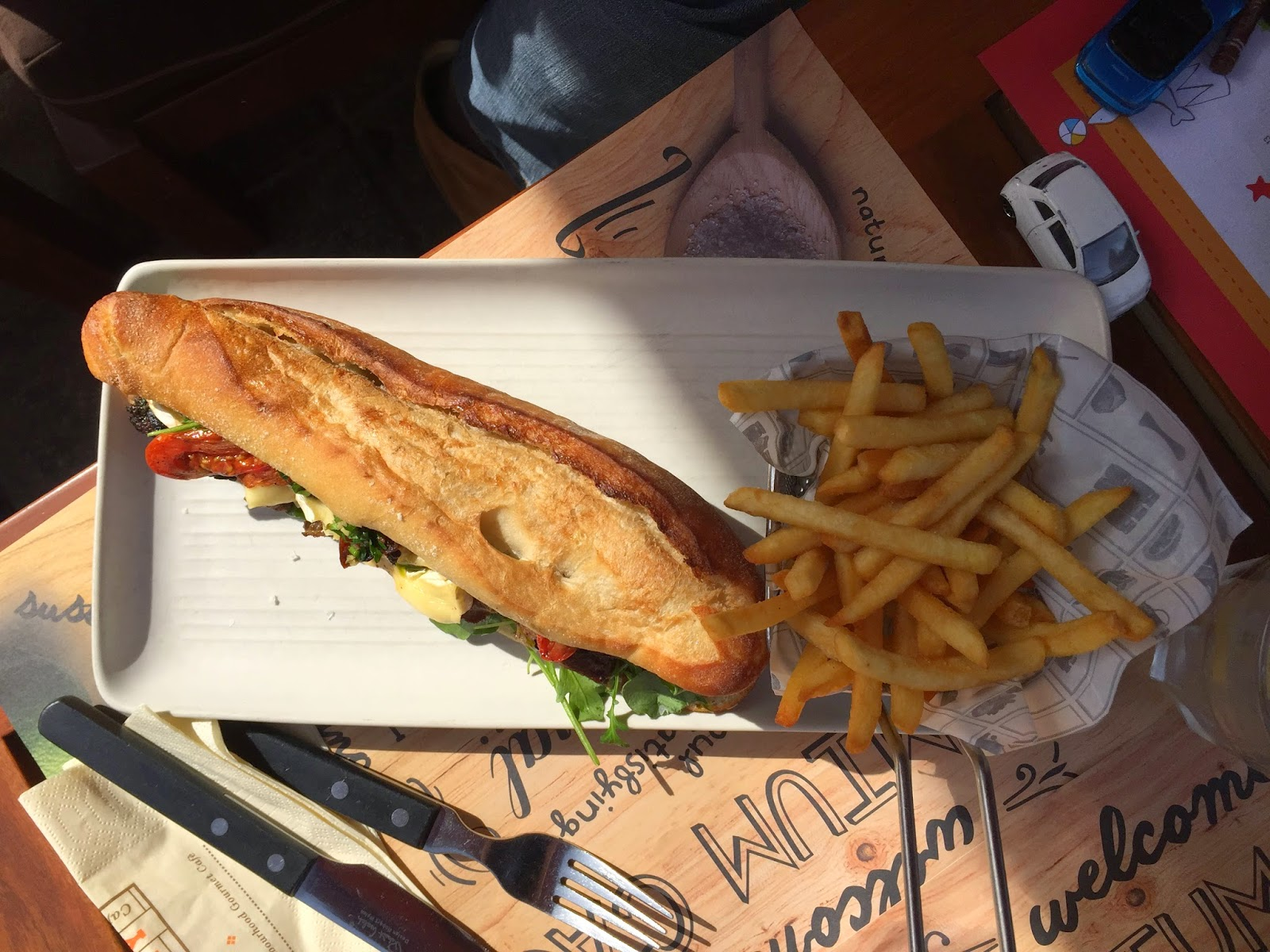 Pantry Cafè: steak sandwich