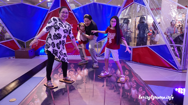 Science Circus - Robinsons Place Bacolod - The Science Museum - stilts
