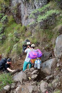 porters, Trekking mount Rinjani Indonesia