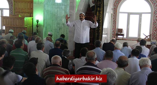 Diyarbakır'da engelliler için işaret diliyle hutbe okutuldu