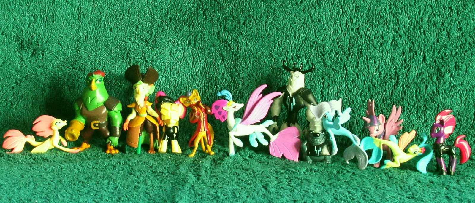 """Equestria Daily MLP Stuff : Really Neat MLP Movie Figure Set in New """"Busy Books"""""""