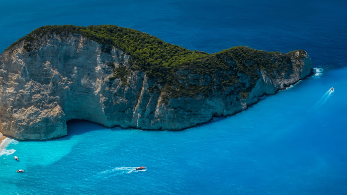 Wallpaper: Shipwreck Beach in Zakynthos